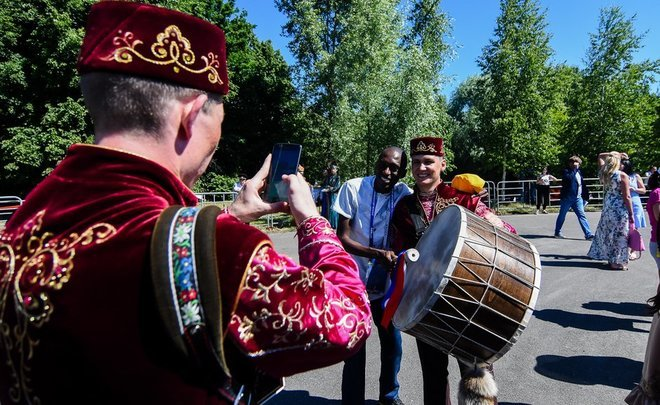 Football fans dip in Russia's local culture