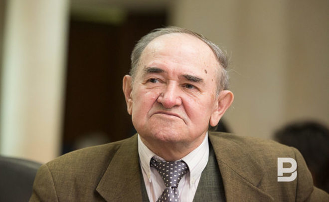 ''For Tatars and Kazakhs a switch to Latin alphabet is not important when they have socio-economic problems''