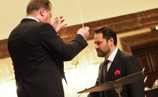 Descendant of Genghis Khan performs with Tatar State Symphony Orchestra