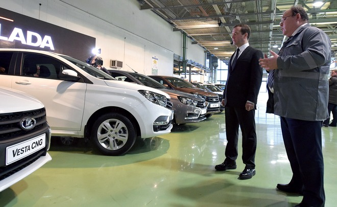 Russian automotive market continues falling in 2016
