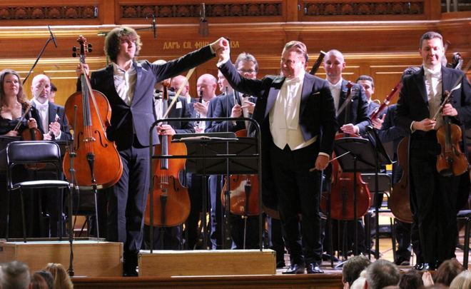 Sladkovsky puts all Shostakovich's symphonies in one box