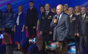 Putin at KAMAZ: 'People from all over the USSR arrived here, a unique staff was created""