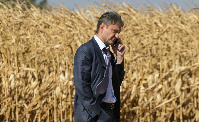 Here's a nice how-d'ye-do! Alexander Tkachyov to tie the farmers to their land for a long term