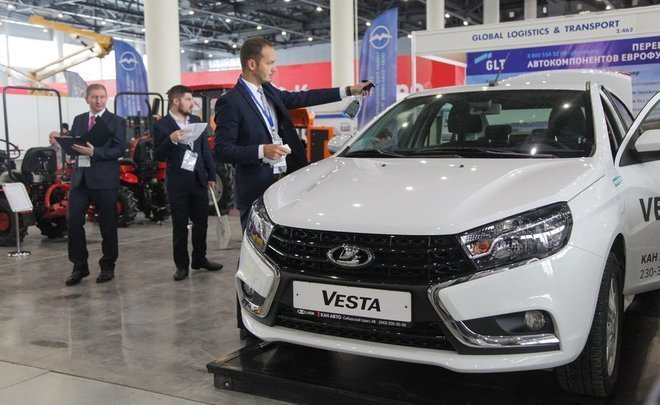 Russian automotive market in 2019: way out of the crisis, popular gas and oblivion of electric cars