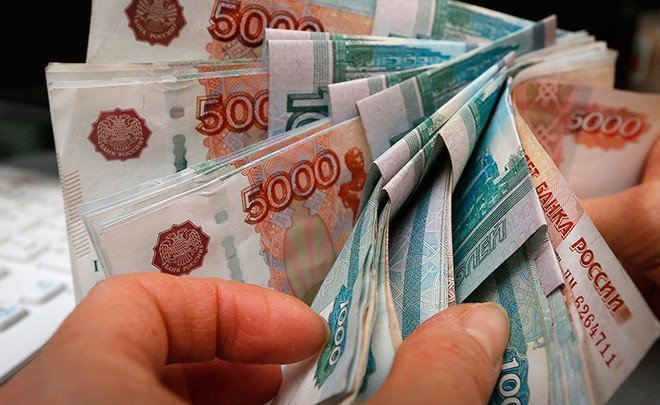 ''If the second wave of sanctions will significantly affect the economy, we will see 80-82 rubles per dollar''