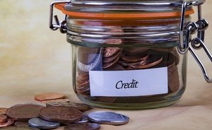 Russians' personal debt burden exceeds quarter of annual income