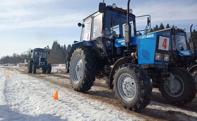 ''Cold games'': tractor biathlon competition in Udmurtia