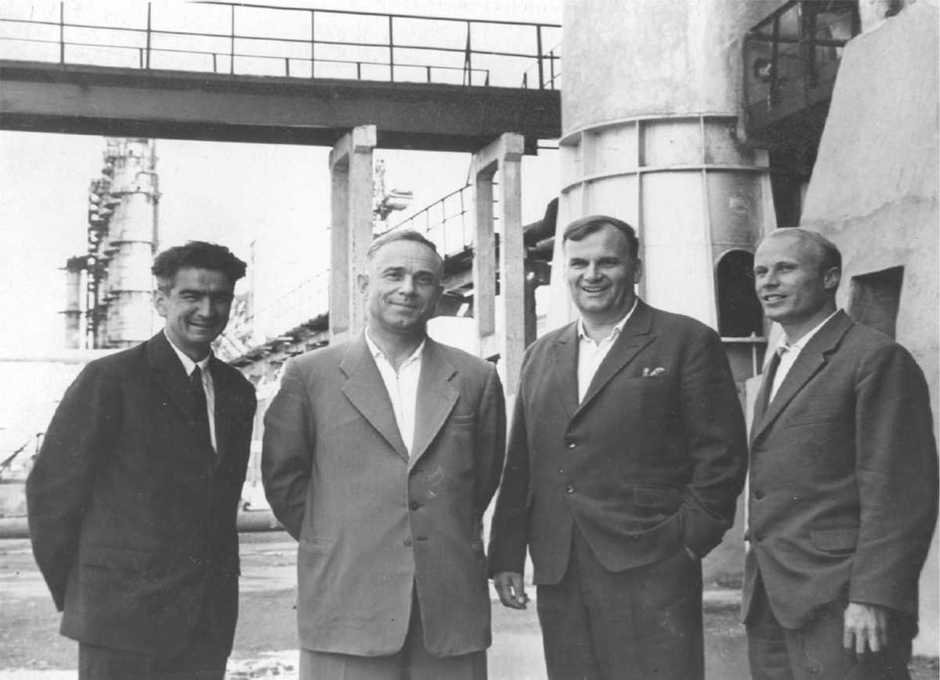 Factory officials on the first production day: factory's Party Bureau Secretary A. Yusupov, Director V. Lushnikov, Chief Engineer O. Ostrov, Project Chief Engineer B. Maslennikov.