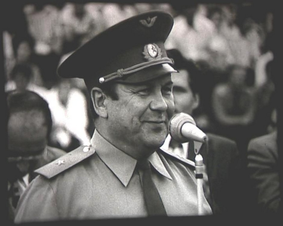 Pilot-cosmonaut P. R. Popovich at the opening of the Second all-Union sports games of pupils of vocational education, Kazan. 1977