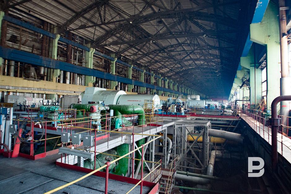 The main equipment of the plant consists of 11 turbine generators, 16 power boilers and 5 water heaters