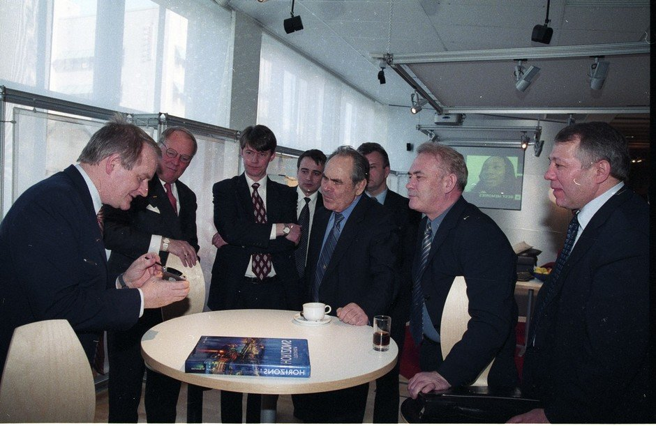 Talks with officials of the government of Sweden, a visit to Scania and Ericsson concerns, Stockholm, 25 March 2002