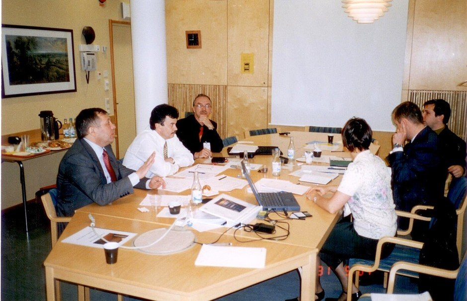 In 2001, TAIF-Telcom began the execution of the second stage of the project: by the end of the year, the mobile network covered all regional centres and augmented the number of subscribers up to 100,000, Stockholm